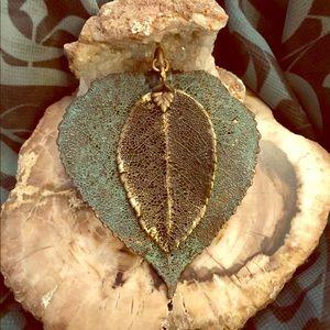 Jewelry - Leaf pendant